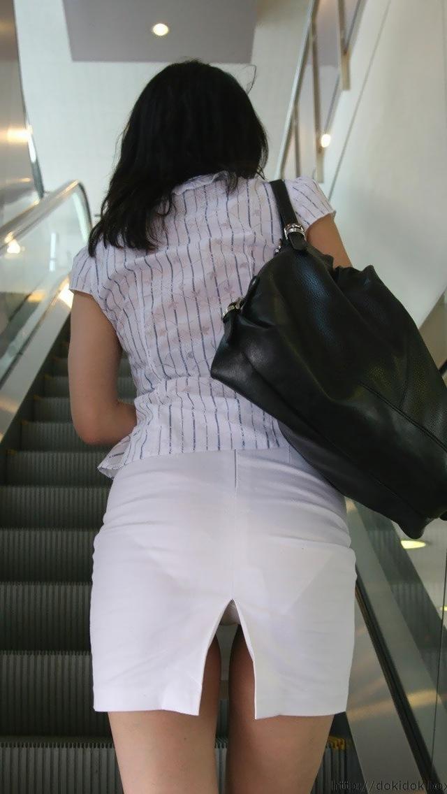 【透けパンエロ画像】パンツもスカートも透け透けwww痴女レベルで下着が透けてるおねーさん多すぎwww その6