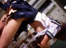 【レイプエロ画像】なにがあった!?ビリビリに破かれた服が否が応でもレ●プ事後を想像して興奮するンゴwwww(15枚)