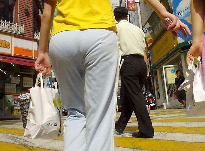 運動時だけじゃない☆普段着や家着にもなるジャージはパンツ透け透け☆痴ジョレベルに透けてるま~んwwwwww
