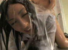 メッシーとか言う性癖が謎すぎるwwww着衣のままヌルヌル濡れ濡れローションまみれ…これってエロいん!?
