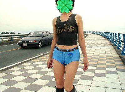 露出狂の限界挑戦!?着衣に見えるけど実は全裸なボディーペイント…これで逮捕されたら末代までの恥wwww 表紙
