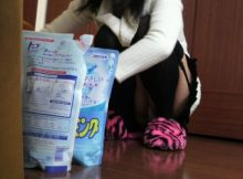 【家庭内盗撮エロ画像】同棲中彼女のパ○チラ…生々しい私生活の中で撮るこういうパ○チラが新鮮だなwwww(15枚)