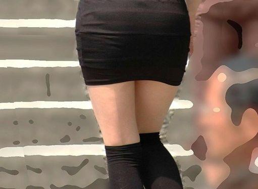 適度な薄着にニーソ☆超そそるむちむちの太ももに理性がぶっ飛びそうwwwwwwww
