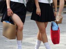 【街撮りJKエロ画像】夏の暑さを吹き飛ばす女子高生の太もも…スカート短すぎてチンポがビンビンですよwwww