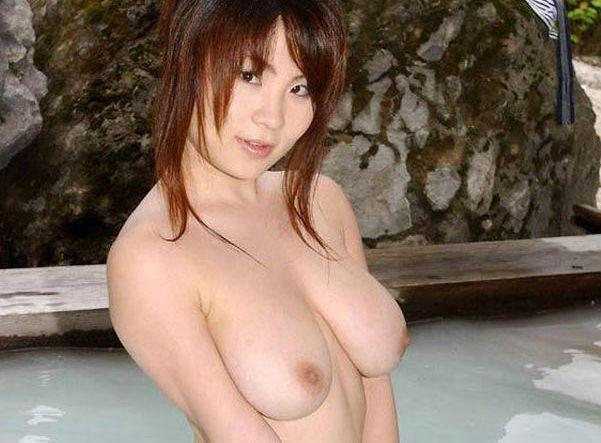 暑い季節だからこそモデルとゆっくり混浴に浸かりたい☆裸の混浴えろ写真