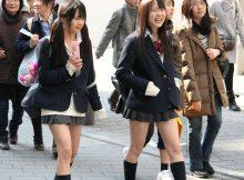 【街撮りJK画像】ちょっと芋っぽさ残る女子高生の街撮り画像…この中の何人が処女なのか妄想するだけで楽しくなるwww