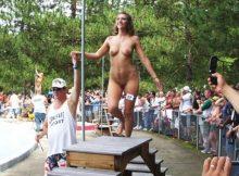 【全裸コンテストエロ画像】パツキンのおねーさんが全裸で大集合…海外の美女コンテストがエロ過ぎるwww