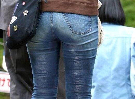 (お漏らしえろ写真)尿意の限界に膀胱が決壊した女の着衣お漏らしがめっさムラムラするwwwwwwww