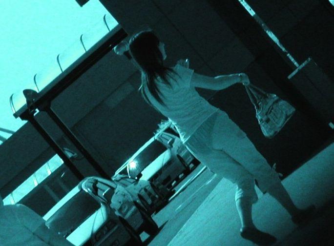 (赤外線街撮りえろ写真)凄いくらい透ける☆最近の赤外線カメラ性能良すぎwwwwww待ち行くオネエさんの下着がまる見えwwwwww