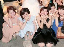 【ドレスパンチラエロ画像】結婚式や卒業イベント…ドレスアップしたお姉さんのパンチラが超そそるぅwwww