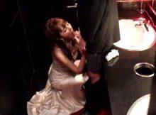 【キャバクラエロ画像】男なら誰もが妄想するシチュエーション!キャバクラのトイレで嬢と猥褻行為wwww