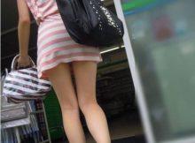 【街撮り美脚画像】童心に帰って思いっきりスカートを捲りたくなるミニスカワンピ!大胆な美脚がそそるぅ!