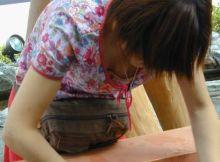 【胸チラエ□画像】前屈みになれば貧乳も巨乳も関係ない…ガッツリまる見え素人の胸チラ画像wwww