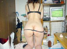 【家庭内隠し撮り画像】羞恥心をなくした嫁さんの尻…崩れた垂れ尻まる出し家庭内隠し撮り画像