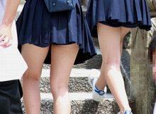 【ミニスカJKエロ画像】これが天然娘!すべすべの太ももがガチでかわぇぇ!ミニスカ女子高生の健康的な生足画像にチンピクするwww