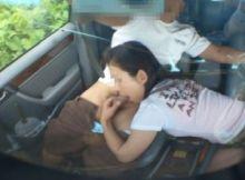 【カーセッ●ス画像】外からもまる見え…車の中で猥褻な行為を続ける素人カップルのカーセッ●ス画像
