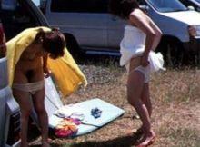 【野外着替え隠し撮り画像】更衣室がない野外で着替える女性たちの立ち姿が強烈に興奮する隠し撮り画像