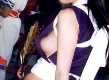 【コミケエロ画像】これってガチかコラかどっちだ!?過激なコスプレで乳首や乳輪をポロリしちゃったコスプレイヤーwww