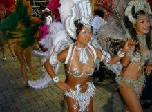 【サンバエロ画像】日本でサンバが人気な理由がエロ以外で見つからない…ポロリ寸前の過激な踊りが勃起不可避www