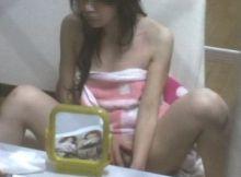 【民家隠し撮りエロ画像】これがガチス●ーカーの犯行…狙った女の子の私生活を覗き見る民家隠し撮り画像