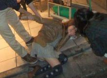 【泥酔エロ画像】飲み会や花見で泥酔…パンツまる出しで酔いつぶれるまんさんの股間がたまらないwww