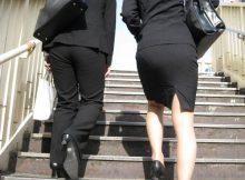 【OL街撮り画像】タイトスカートにパンツスーツ!OLさんのどでかいお尻がそそる街撮り盗撮画像