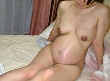 【妊婦エロ画像】100%非処女…腹の子は本当に旦那の種か!?ビッチな妊婦さんのエロ画像