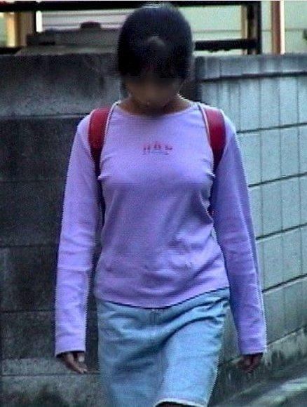 【激ヤバ街撮り画像】これで勃起したやつやばいぞ…大人になりきれてない少女たちの発育途上ボディwww その15