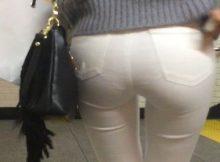 下着が透けて見えるほどパツンパツンになった大きなお尻がすごくエッチ!!透けパンしちゃう女の子の着衣尻画像
