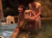 彼女と温泉旅行…露天風呂でエッチしたくなるのが本能!?バカップルの温泉ハメ撮り画像